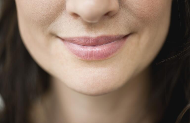 womans-nose
